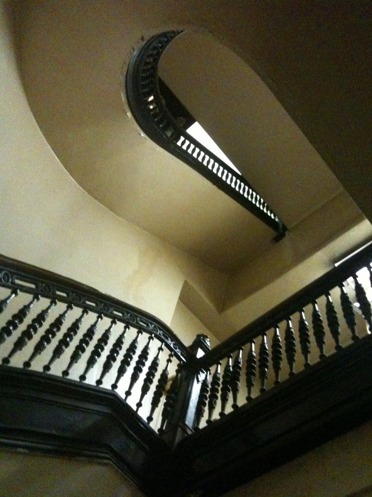 Spiral-Stairs-Apartment-Los-Angeles-Filming-Location-Herald-Examiner