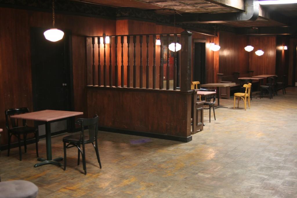 Bar_Set_Restaurant_Herald_Examiner