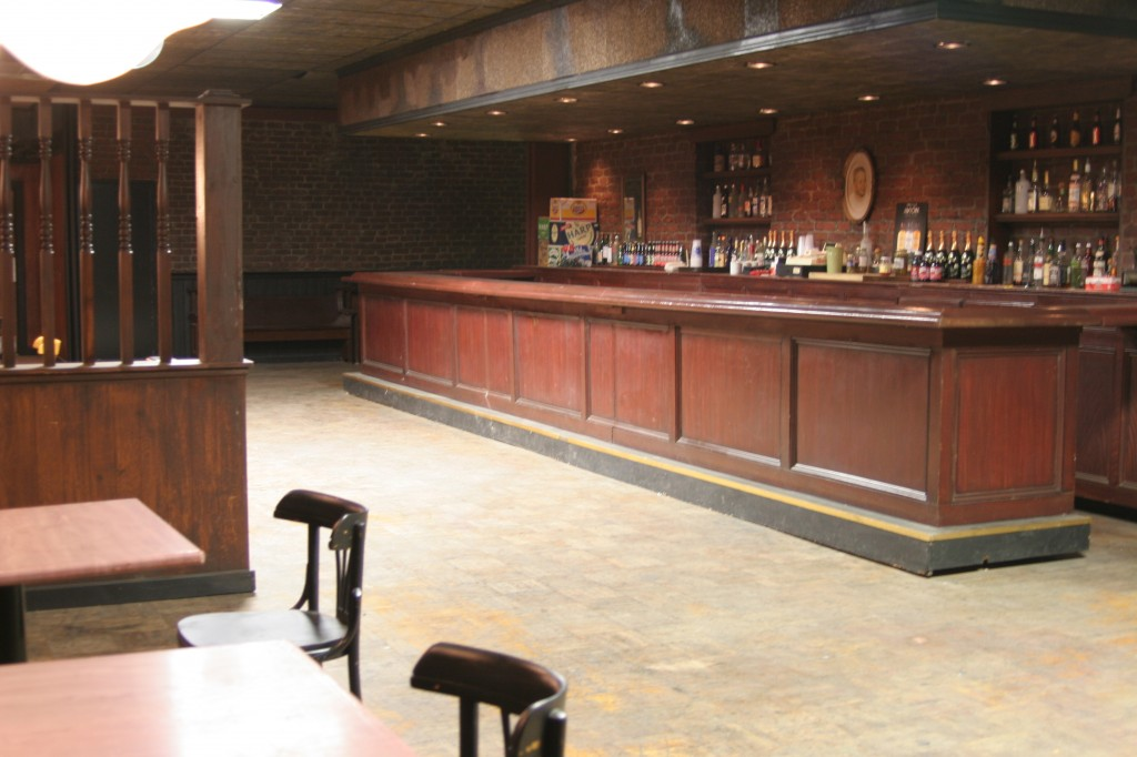 Herald_Examiner_Bar_Set