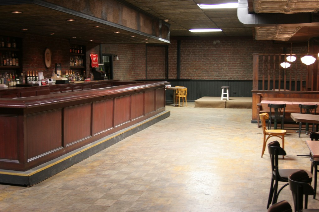 Herald_Examiner_Bar_Stage