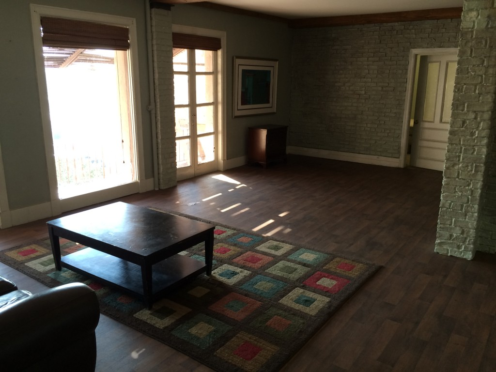 Herald_Examiner_Brick_Studio_Apartment_2