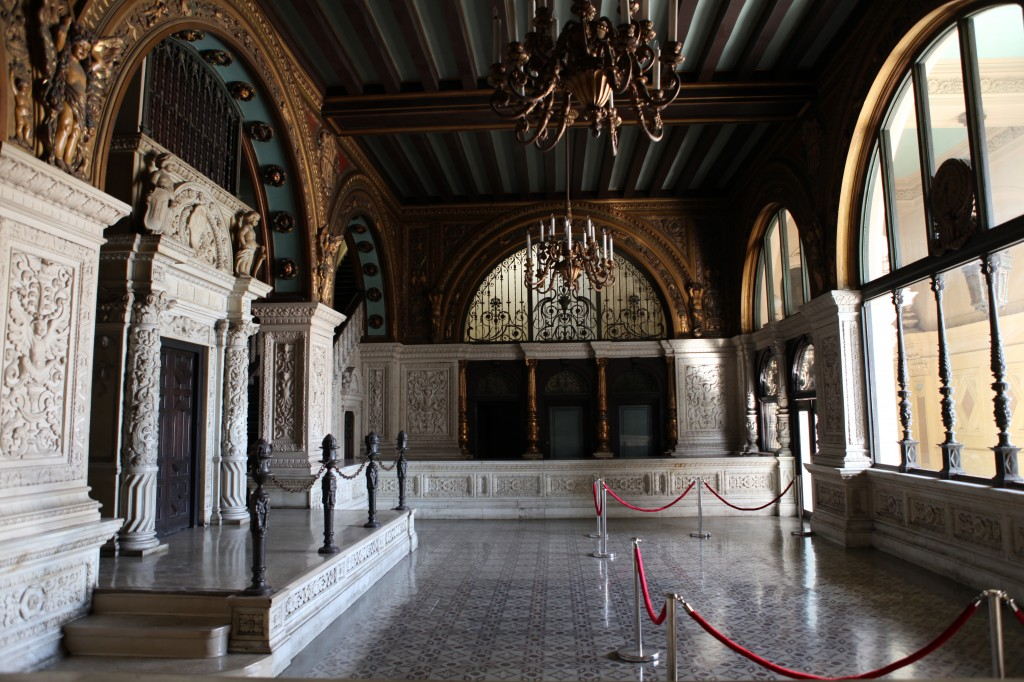 City-Hall-Church-Lobby-Los-Angeles-Filming-Location