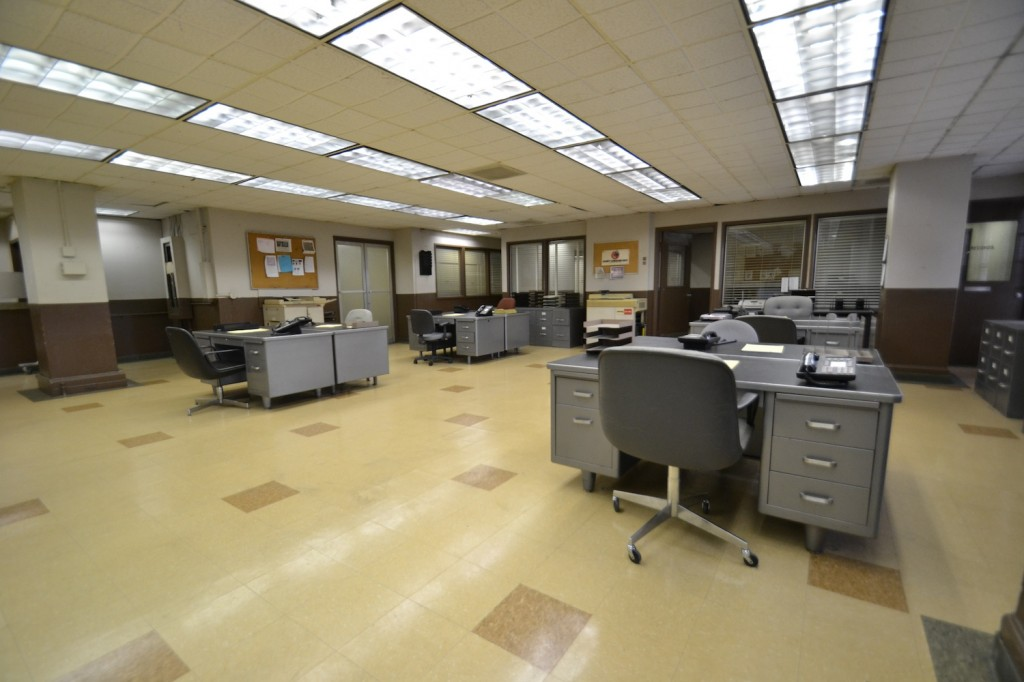 Police-Station-Bullpen-Los-Angeles-Filming-Location
