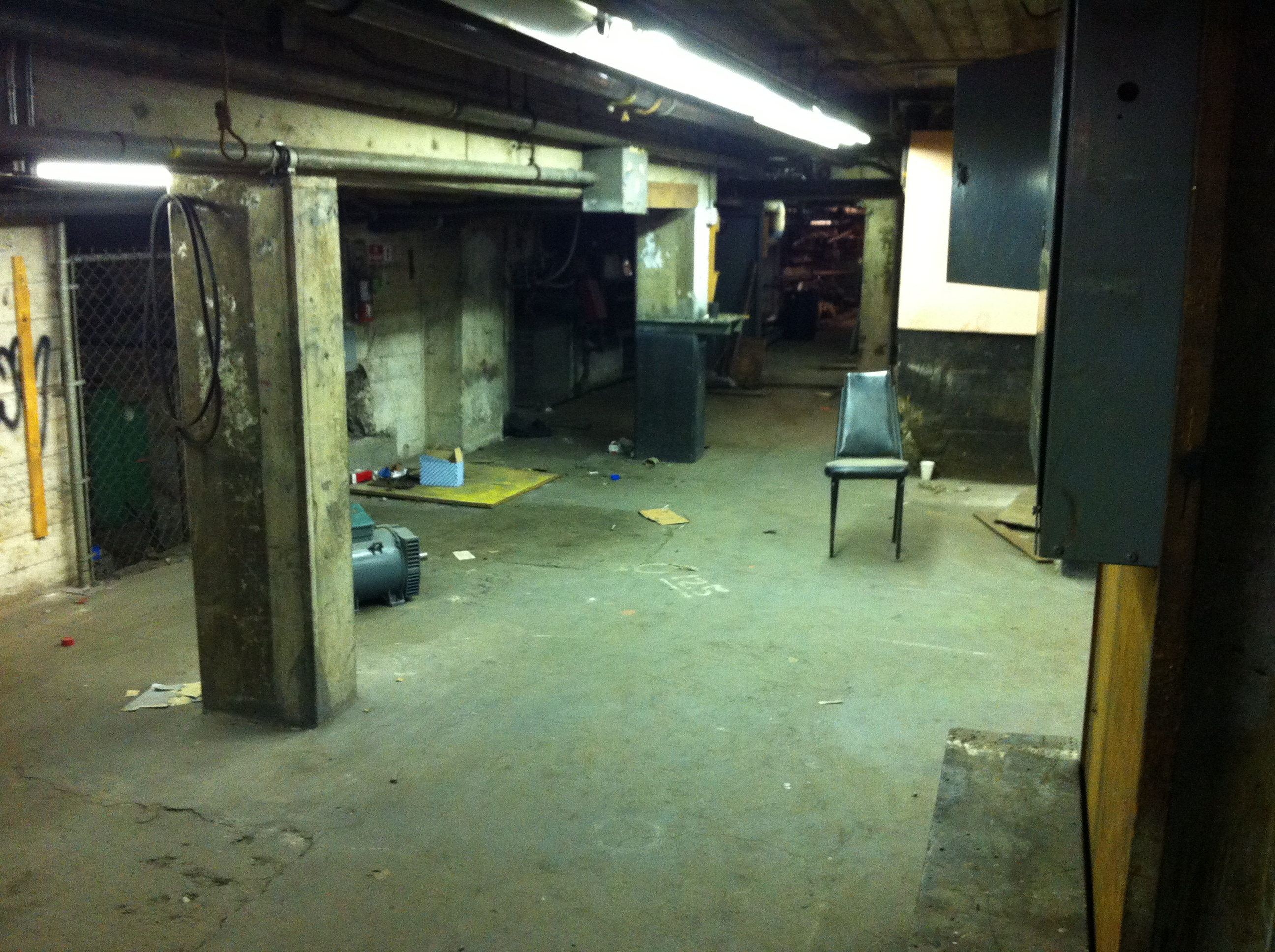 Basement Warehouse Basement Office Los Angeles Filming Location Herald Examiner Los Angeles Filming Location